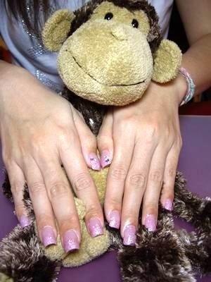 咬甲矯正-典雅風但紫色水晶指甲