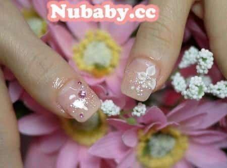 美甲作品-新娘款璀璨凝膠 低調粉膚色