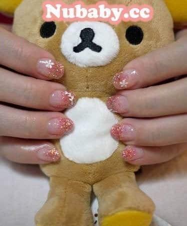 扇形指甲矯正-又短又寬的國小老師手指