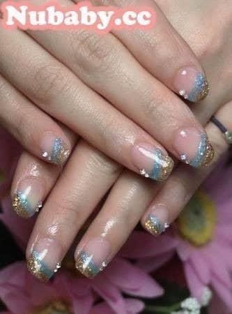 扇形指甲-矯正後的海洋風凝膠指甲