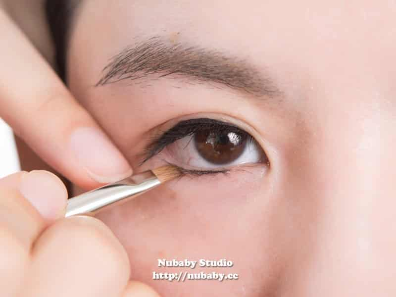 自然溫和眼線 圓潤娃娃眼線-基本彩妝教學