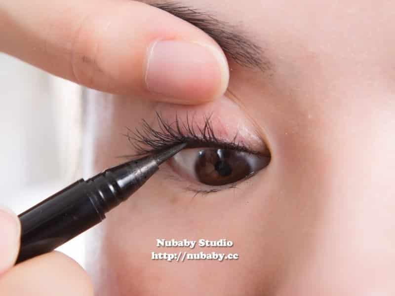 內眼線與隱形眼線 - 基礎彩妝教學