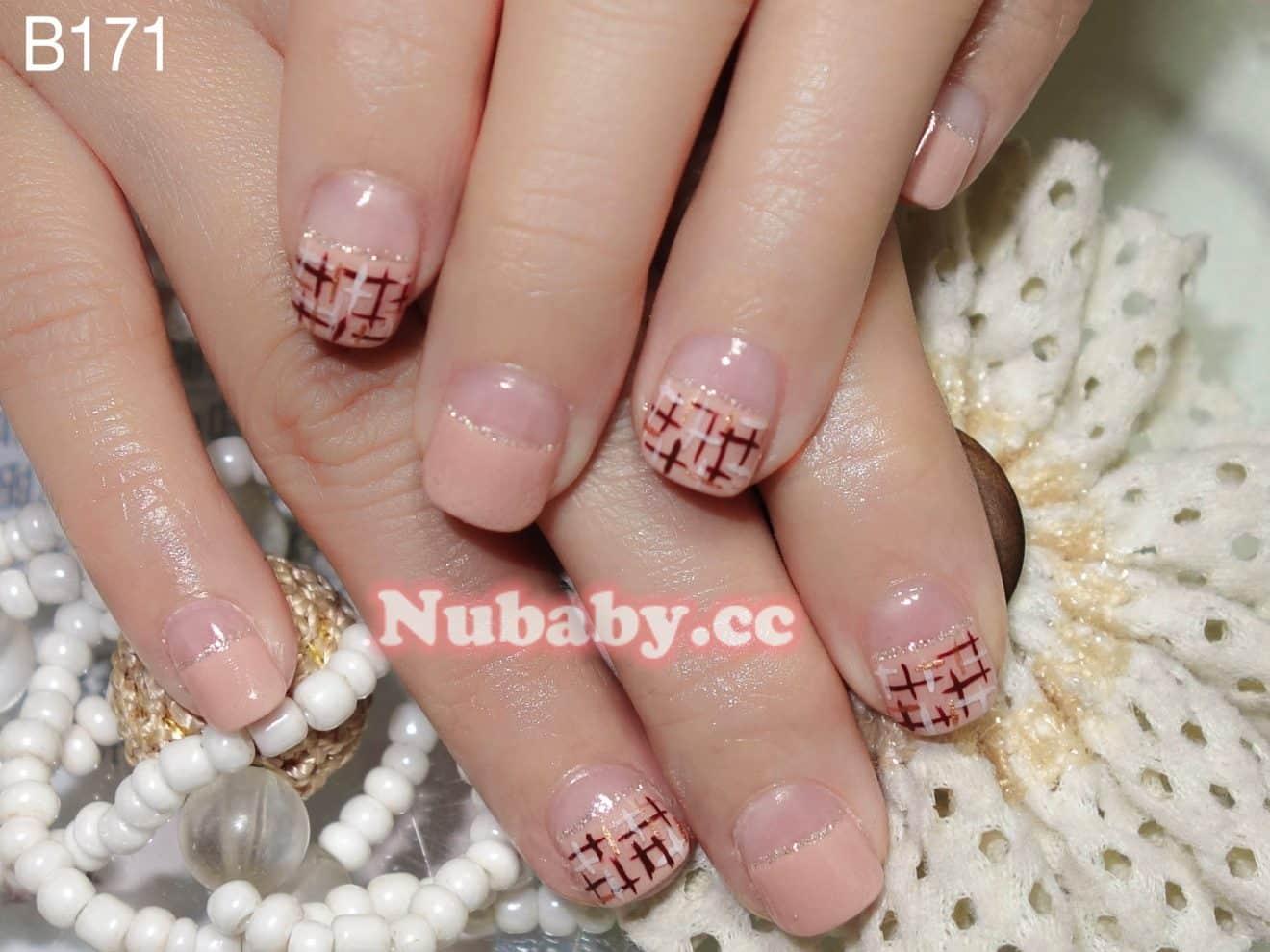 手繪拉線格子 美甲作品 璀璨凝膠指甲