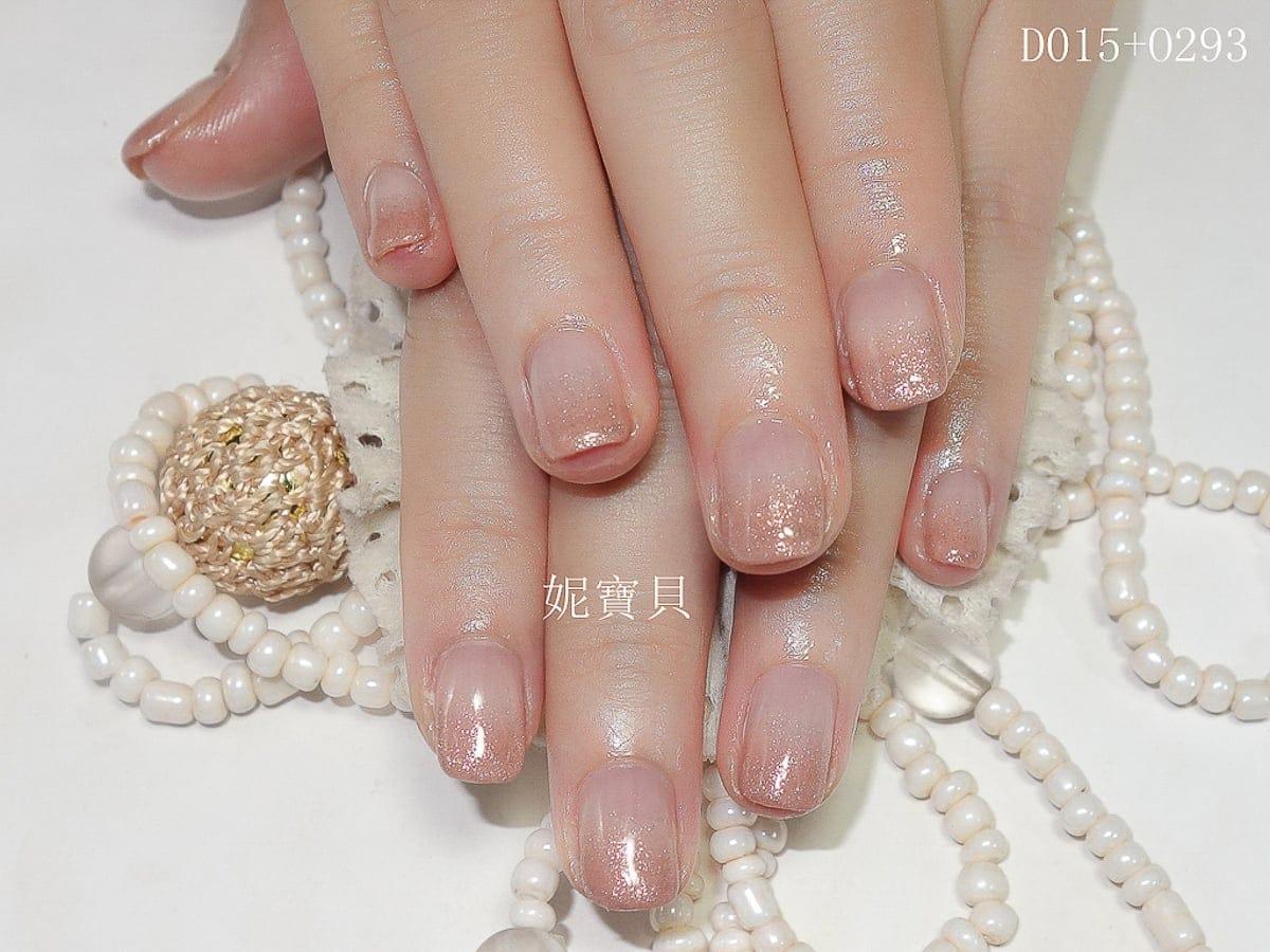 璀璨凝膠指甲-亮粉漸層-早期作品-妮寶貝指甲&精油