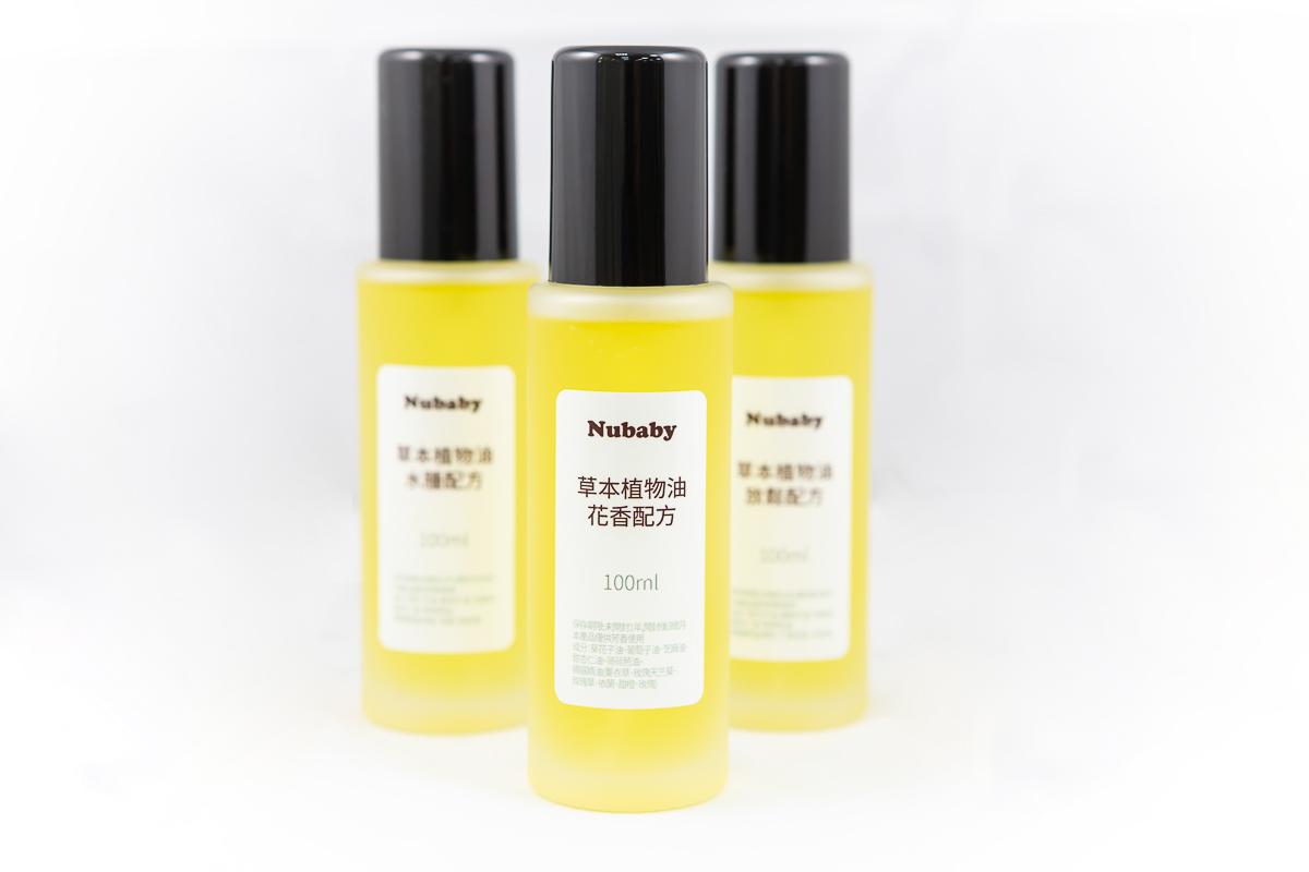 身體潤膚油-花香 配方參考,草本植物油-花香 150ml,芳香用途,擠壓頭 玻璃瓶身。